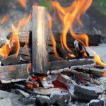cocinar con leña o carbón